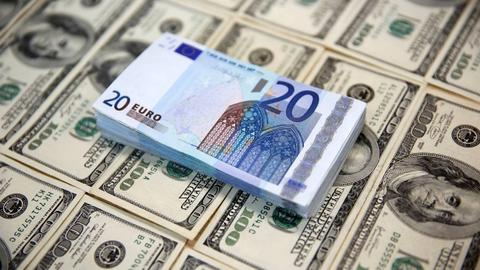 Euro rises as dollar weakens amid speculation about more Fed rate cuts