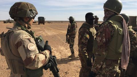 Daesh claims deadly attacks on Malian troops, French army convoy