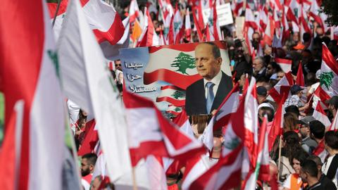 Lebanon's anti-government protesters return to streets after pro-Aoun rally