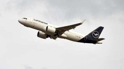 Lufthansa scraps 1,300 flights over two-day German strike