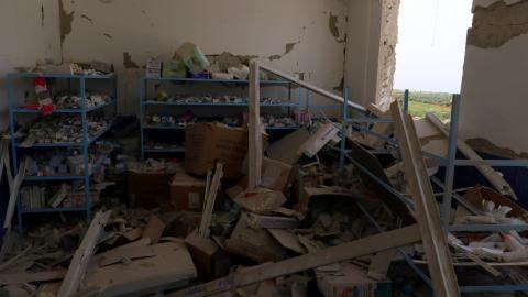 Air strikes hit hospital and kill 26 people in Idlib