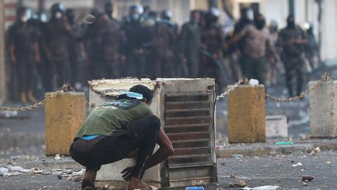 Iraqis struggle to keep up sit-ins under deadly crackdown