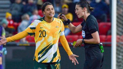 Chelsea win battle to sign Australian women's football icon Kerr
