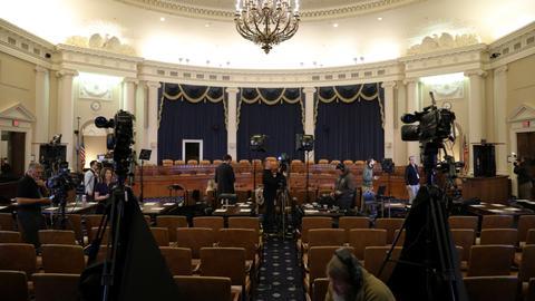 Trump impeachment probe goes public as political drama mounts