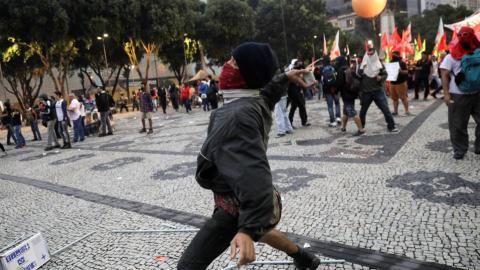 Nationwide Brazilian strike turns violent