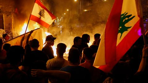 How sectarian politics overshadow Lebanon's anti-establishment protests