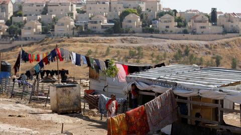 In pictures: The expansion of illegal Jewish settlements in Palestine