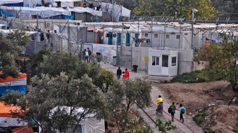 Greece to overhaul migrant camps and achieve 'air-tight' borders