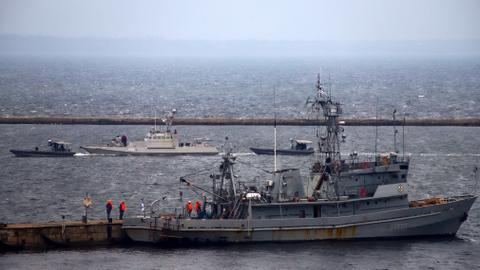 'Tampered' navy ships held by Russia return to Ukraine port