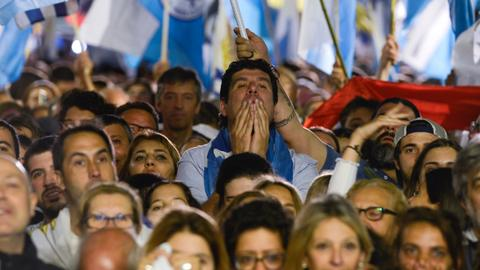 Centre-right victory on hold as Uruguay run-off vote too close to call