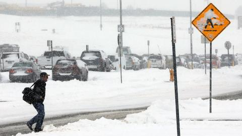 Storms snarl Thanksgiving travel in US