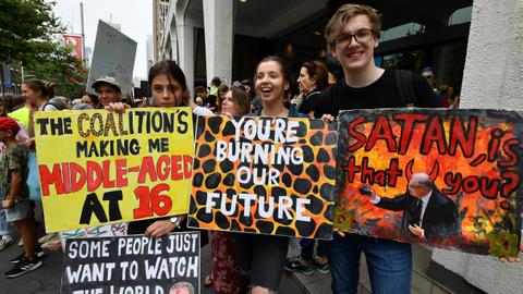 Global climate protests kick off in smoke-covered Sydney