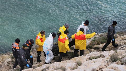 Death toll from Lampedusa shipwreck rises to 18