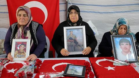 Mothers continue sit-in against PKK, demand return of abducted kids