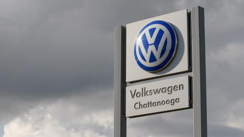Canada charges Volkswagen over faking car emissions tests