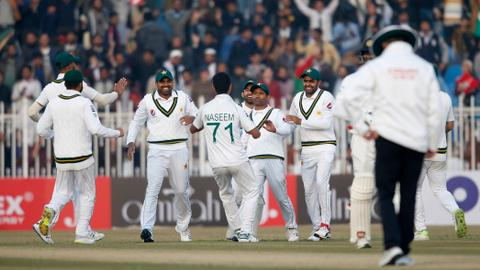 Naseem leads fightback as Pakistan host first test in a decade