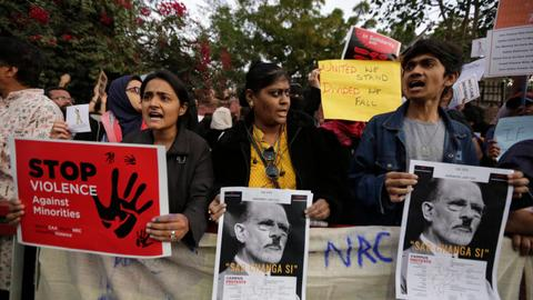 India top court delays hearing citizenship law pleas