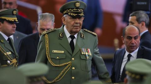 Algeria's army chief Gaid Salah dies amid protest crisis