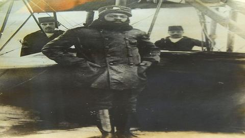 Was the world's first black pilot from the US or Ottoman-Turkey?