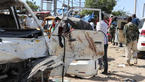 Mogadishu residents donate blood to assist truck bomb victims