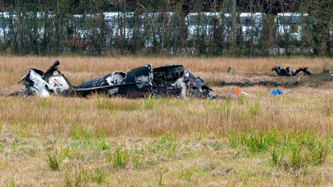 US plane crash kills 5, including LSU coach's daughter-in-law