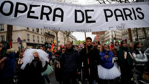 Ballet dancers down tutus in longest strike ever at Paris Opera