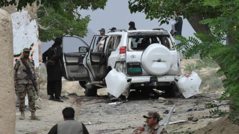 Daesh attack on government convoy kills at least 25 in Pakistan