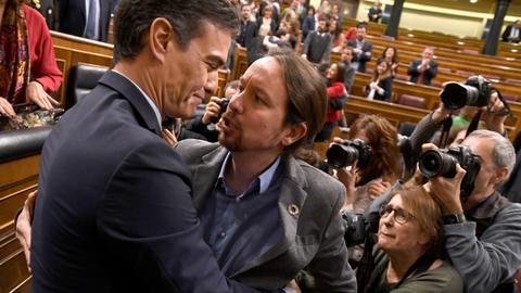 Sanchez wins cliff-hanger Spain vote to form new govt