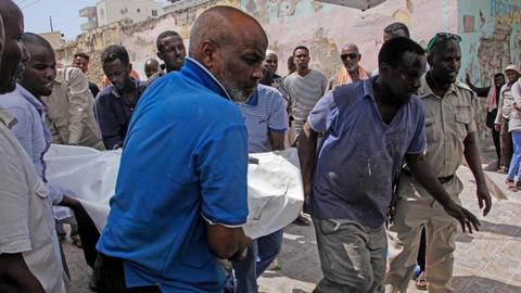Car bomb kills 3, wounds 6, at checkpoint in Somali capital