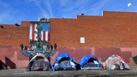 California governor seeks $1.4B for homelessness crisis