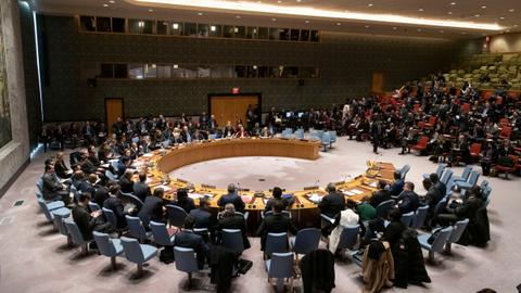 Under Russian pressure, UN approves scaled back aid for Syria