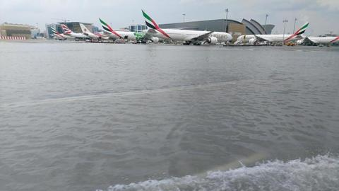 Flooding at Dubai airport delays, cancels flights