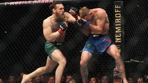 Conor McGregor make fast work of Cerrone on UFC return
