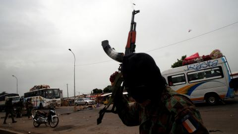 Renegade Ivory Coast soldiers reject government deal on unpaid bonuses