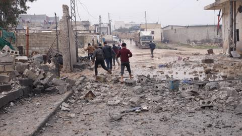 Russian air strikes in Syria kill 12 civilians