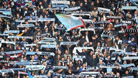 Lazio demand fans repay fascist salute fine