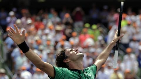 Federer skips French Open to focus on Wimbledon
