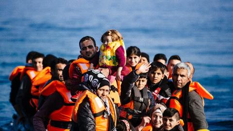 Greece plans to build a floating sea wall to thwart refugees. Will it work?