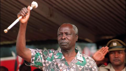 Kenyan president says ex-president Daniel arap Moi has died