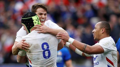 France go top of Six Nations table with win over Italy
