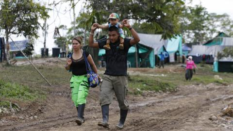 Colombian rebels turn to parenting