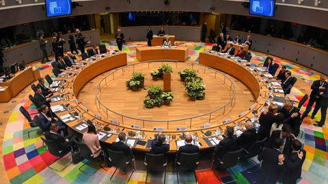 EU leaders clash at 'very tough' budget summit