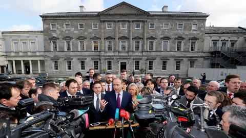 Irish lawmakers meet as wrangling to form government goes on