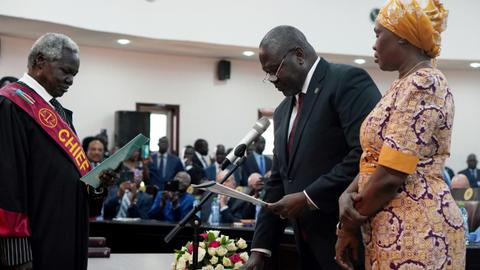 South Sudan declares 'end of war' as rival leaders form govt
