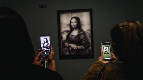 Leonardo show smashes Louvre's all-time record