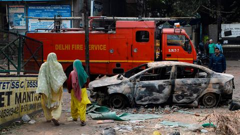 More than dozen dead in worst religious violence in New Delhi in decades