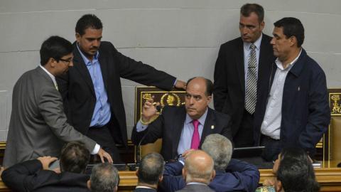 Venezuelan opposition accuses Goldman Sachs of aiding Maduro