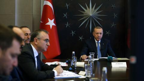 Turkey's Erdogan calls for joint fight against coronavirus