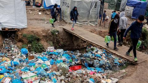 Migrants under pressure as isolation threatens Lesvos camp