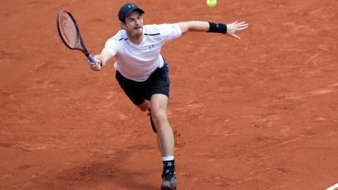 Murray sets up semifinal showdown with Wawrinka at French Open